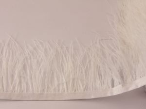 Перо страуса 7-9 см на тесьме, цвет №027 (1уп = 1 метр)