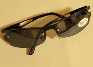 ! очки солн мальч подр черн 3, ячейка: 106