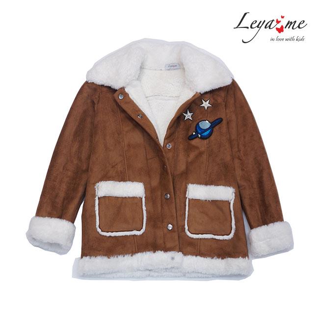 Куртка - дубленка с нашивками