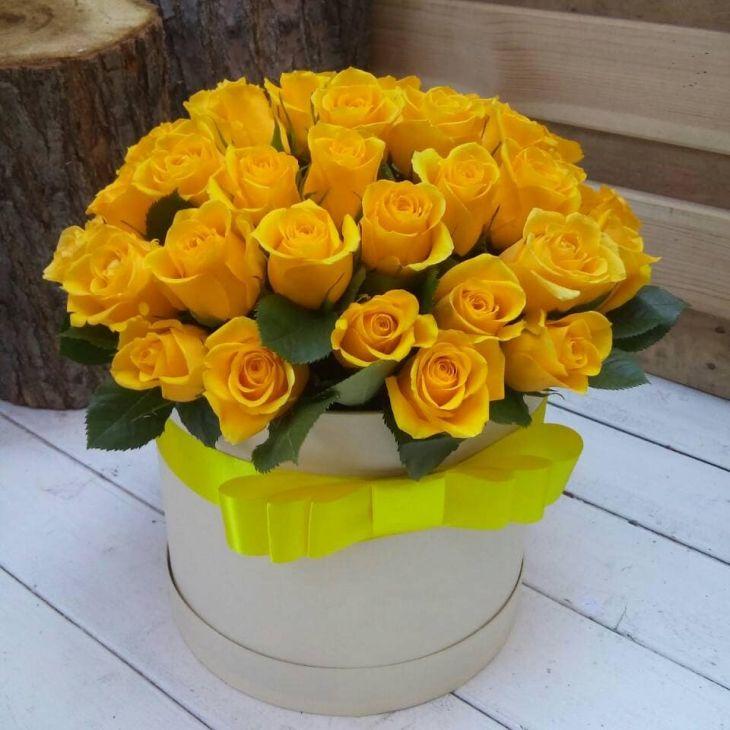 45 желтых роз В коробочке