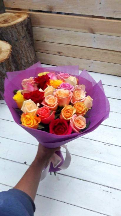 25 микс роз в упаковке