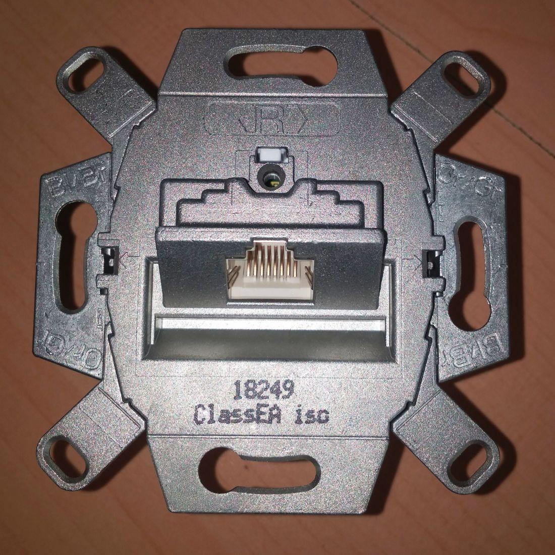 Розетка компьютерная одинарная RJ 45 6 ре