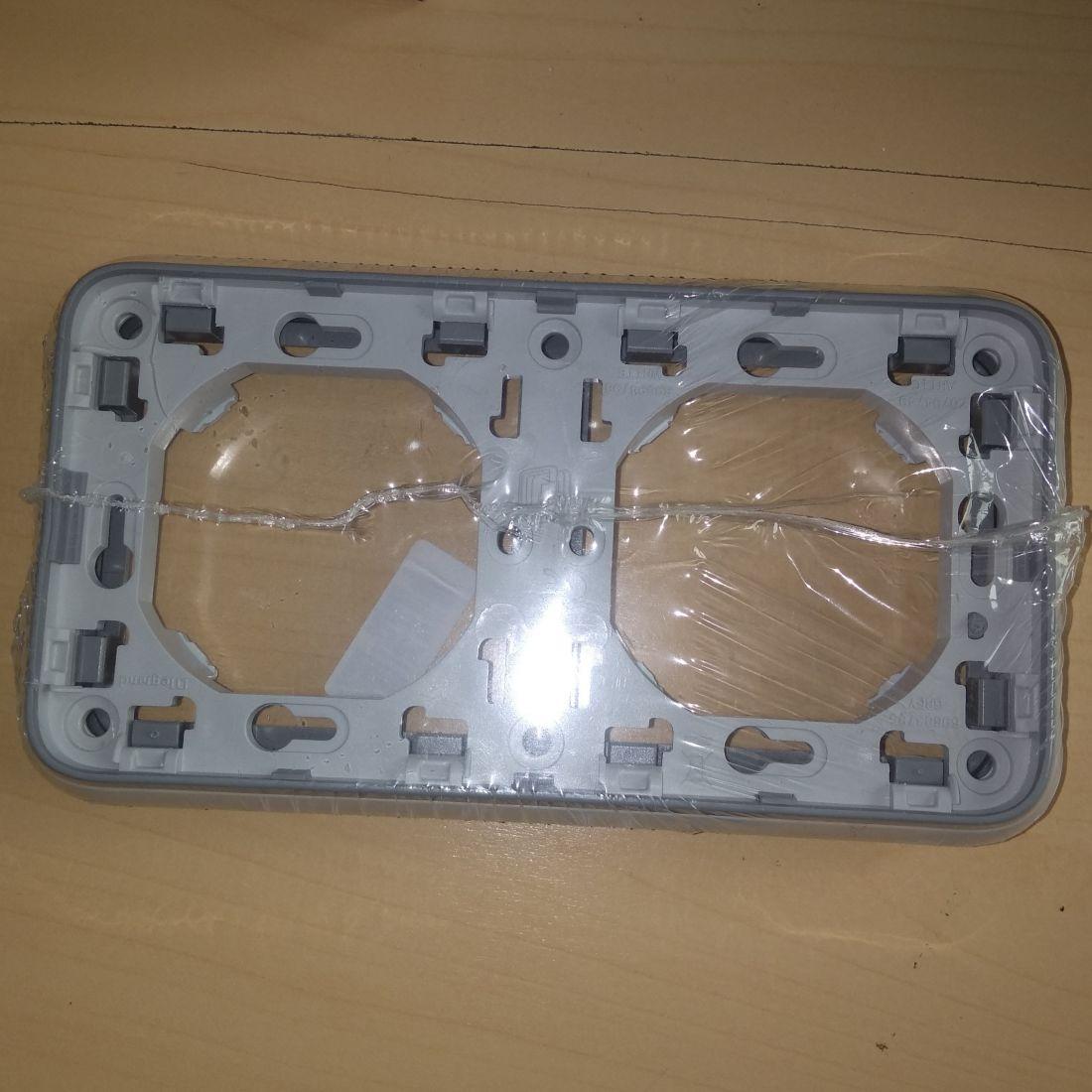 Рамка с супортом PLEXO, 2 поста, цвет серый (в комплект к розеткам)