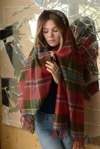Теплая шаль,  100 % стопроцентная шотландская овечья шерсть, расцветка (тартан) Маклин замка Дуарт, плотность 6 -MACLEAN OF DUART WEATHERED TARTAN