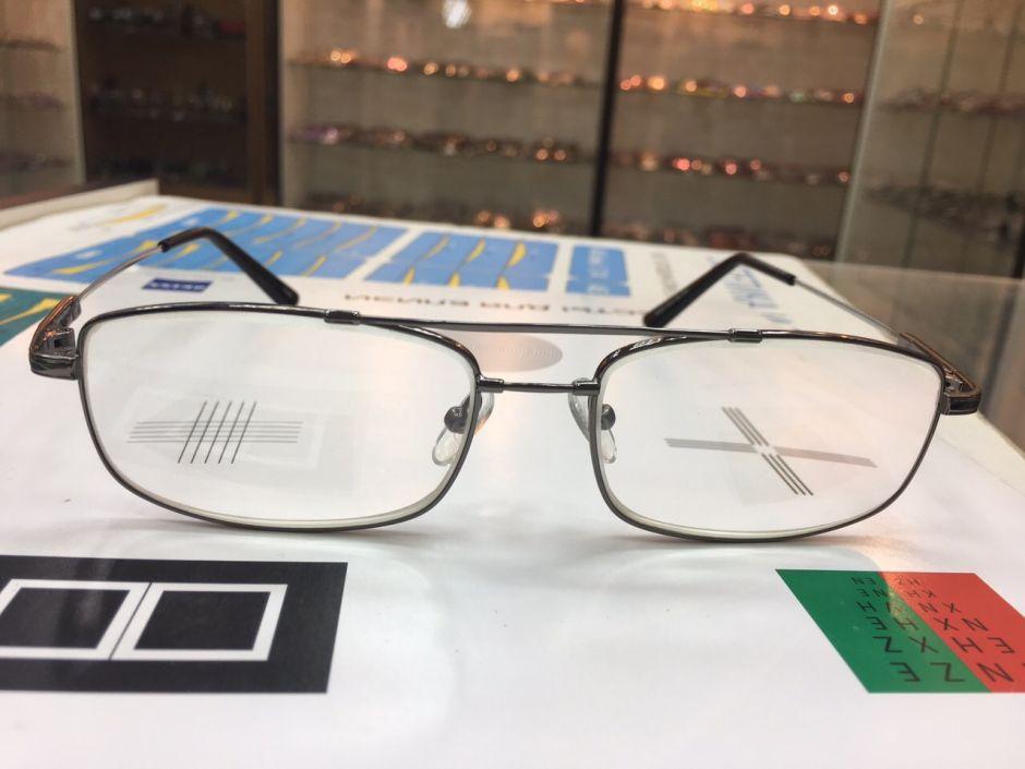 Готовые очки с медицинскими линами Titanflex 8898