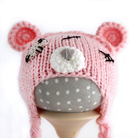 Вязаная шапочка для куклы Мишка Тедди розовый