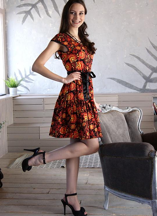 Приталенное платье Хохлома
