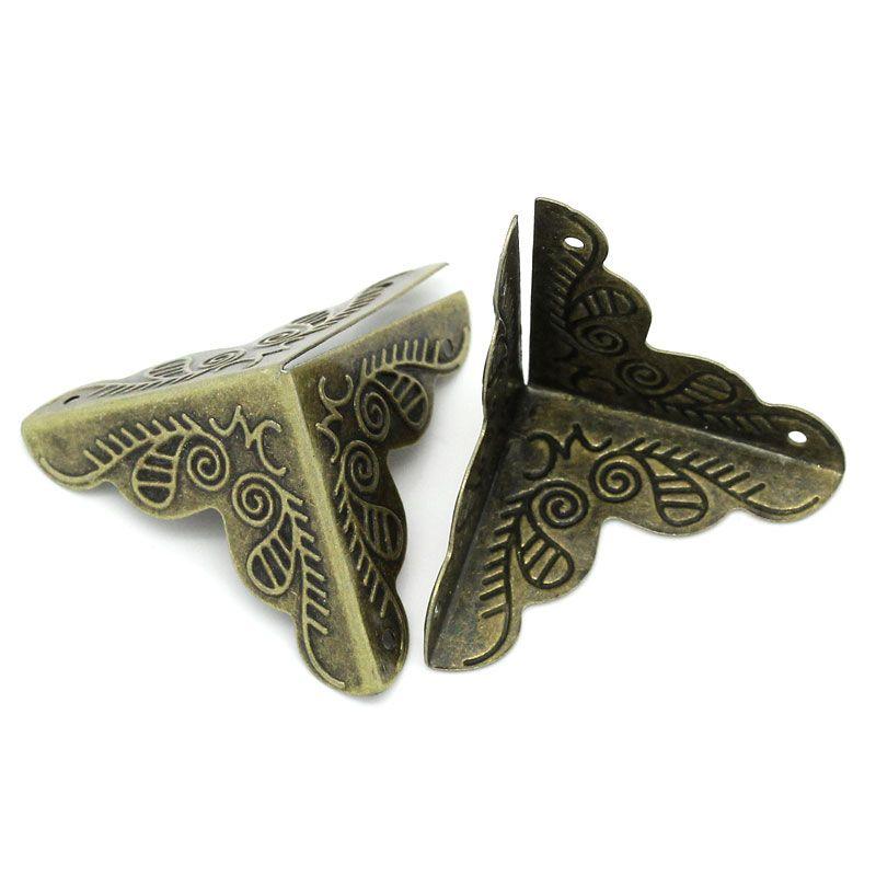 Уголок для шкатулки 3 стороны,Вензель, чекан. бронза, 25 мм, 4 шт/упак