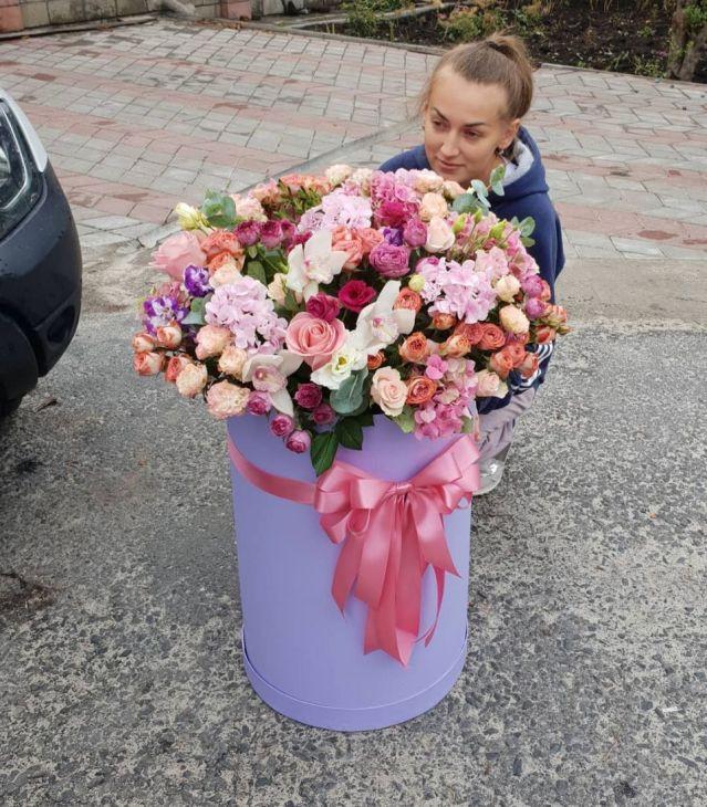 Гигантская коробочка цветов