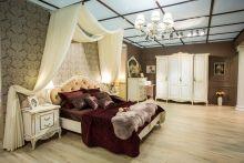 Спальня БАРОККО слоновая кость с золотой патиной 4-дверный шкаф