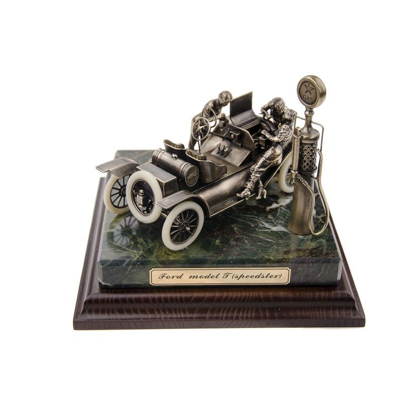 "ДИОРАМА ""Генри Форд и модель T «Speedster»  1/24"