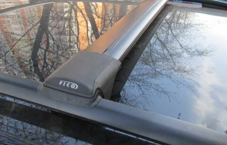 Багажник на рейлинги Renault Duster 2010-15, FicoPro R-44, черный, крыловидные аэродуги