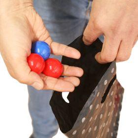"""В какой руке синий шарик?"" - Three ball bag"