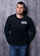 черная футболка с рукавами