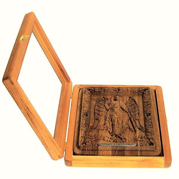 резная икона в подарок отцу или сыну Ангела-Хранителя на натуральном мореном дубе, инкрустированная янтарем (18*23 см, Россия)