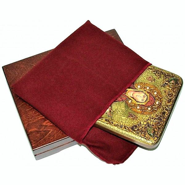 Инкрустированная рукописная икона Образ Божией Матери «Покров» (15*20 см, Россия) на натуральном мореном дубе, в подарочной коробке