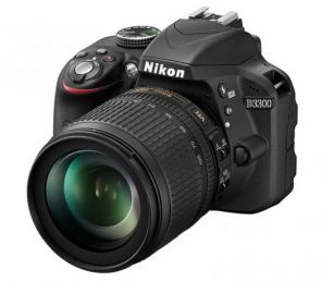 Nikon D3300 Kit 18-105mm f/3.5-5.6G AF-S ED DX VR