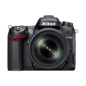 Nikon D7000 Kit 18-55mm f/3.5-5.6G AF-S VR