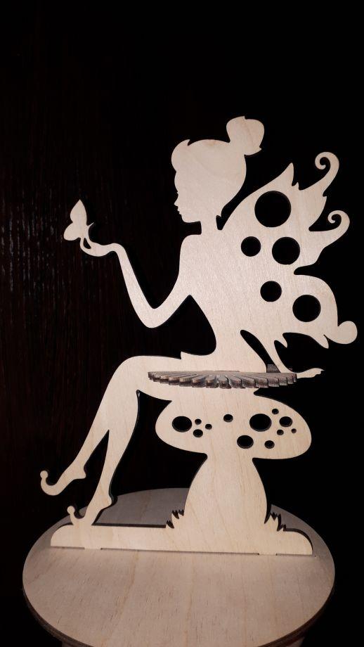 Салфетница фея на грибе
