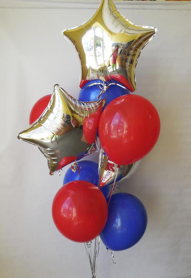 Фонтан из гелиевых шаров со звёздами в цветах супер-героев