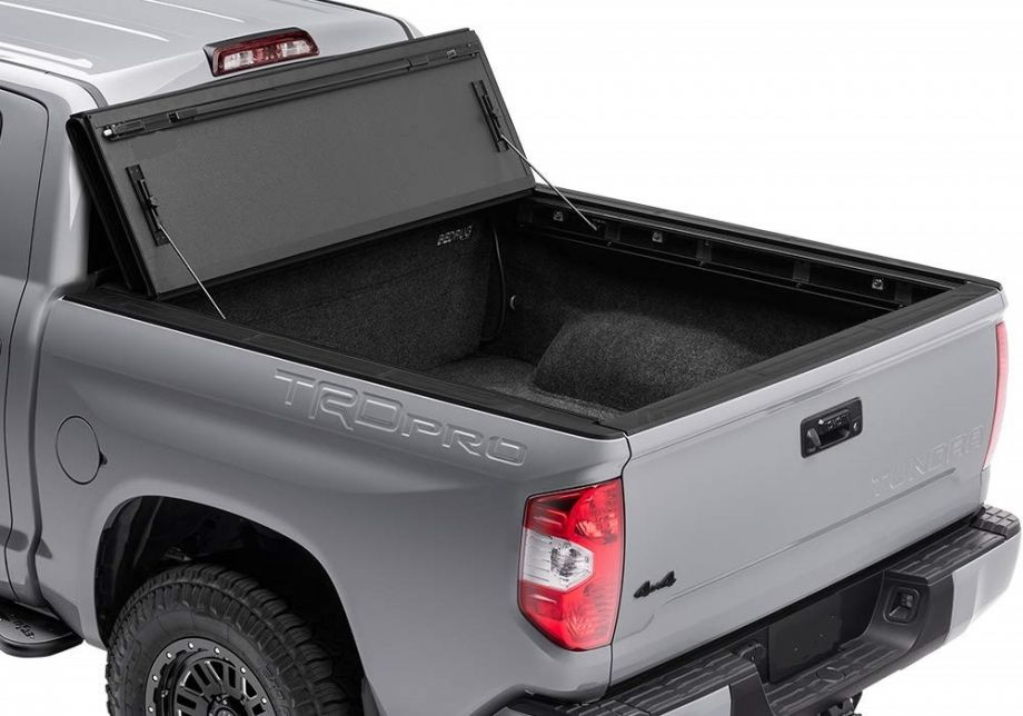 Жесткая четырехсекционная крышка кузова Kramco Toyota Tundra Double Cab