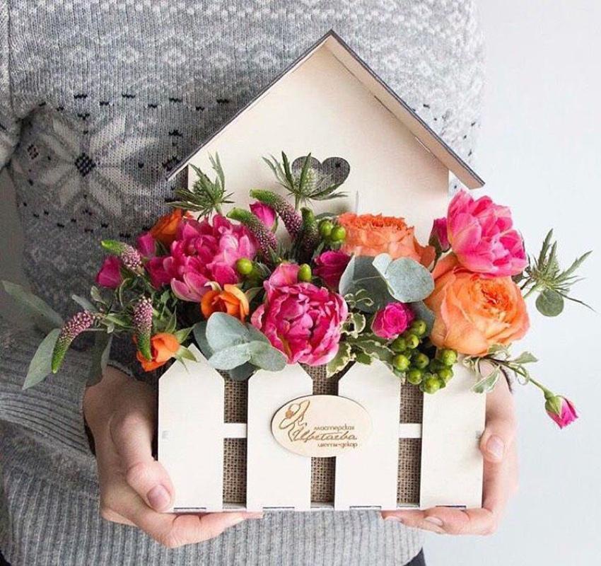 Ящик для цветов домик