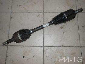 Рено Дастер 1.6  4х4 привод левый