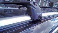 Багажник на крышу Volkswagen Touareg 3 2018-..., Turtle Air 2, аэродинамические дуги на интегрированные рейлинги (черный цвет)