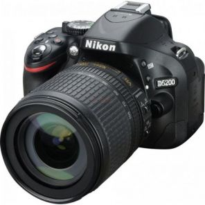 Nikon D5200 Kit 18-105mm f/3.5-5.6G AF-S ED DX VR