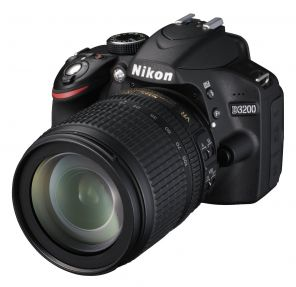 Nikon D3200 Kit 18-105mm f/3.5-5.6G AF-S ED DX VR