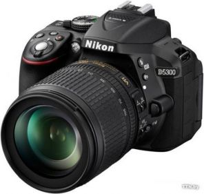 Nikon D5300 Kit 18-105mm f/3.5-5.6G AF-S ED DX VR