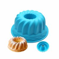 Силиконовая форма для выпечки кексов с отверстием, цвет синий