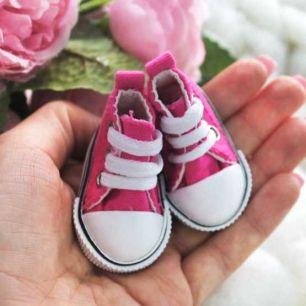 Обувь для кукол Кеды 5 см на шнурках (ярко-розовые)