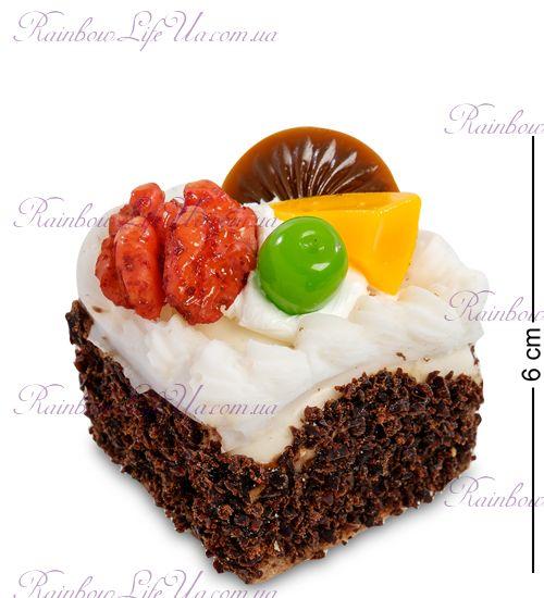 """Магнит квадратный """"Кусочек торта""""Магнит квадратный """"Кусочек торта"""""""