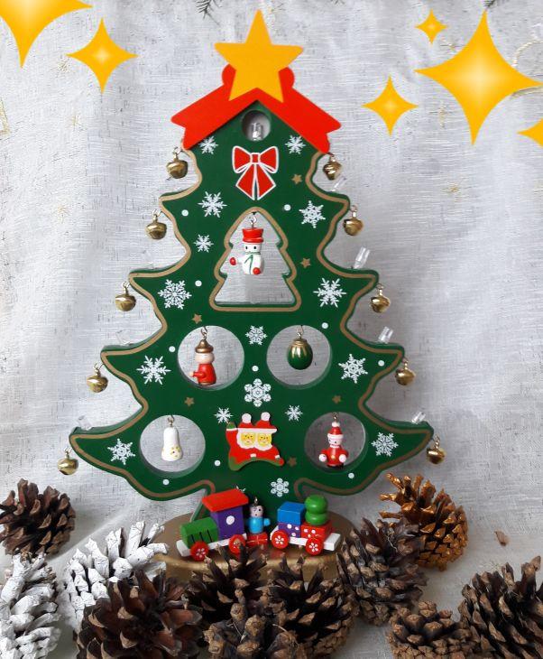 Елка деревянная с игрушками и свечками 27 см