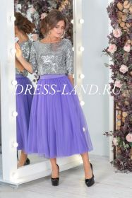 Нарядный костюм с фиолетовой юбкой и блестящим топом