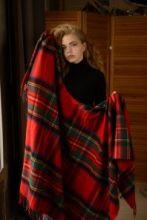 Теплое пончо,  100 % стопроцентная шотландская овечья шерсть, расцветка (тартан) Королевский клан Стюарт STEWART ROYAL , плотность 6