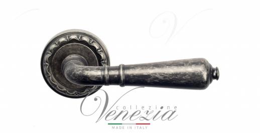 Дверная ручка Venezia VIGNOLE D2 античное серебро