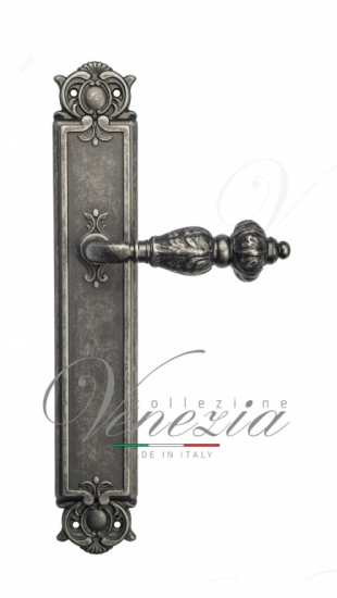 Дверная ручка Venezia Lucrecia на планке PL97 античное серебро