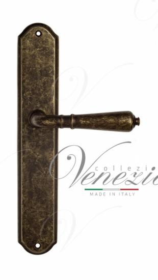 Дверная ручка Venezia VIGNOLE на планке PL02 античная бронза
