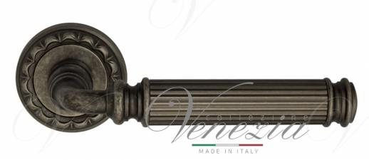 "Дверная ручка Venezia ""MOSCA"" D2 античное серебро"
