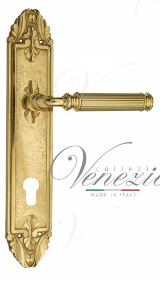 """Дверная ручка Venezia """"MOSCA"""" CYL на планке PL90 полированная латунь"""