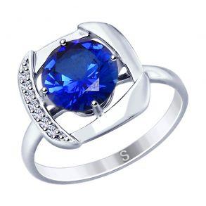 Кольцо из серебра с синим корундом (синт.) и фианитами 88010054 SOKOLOV
