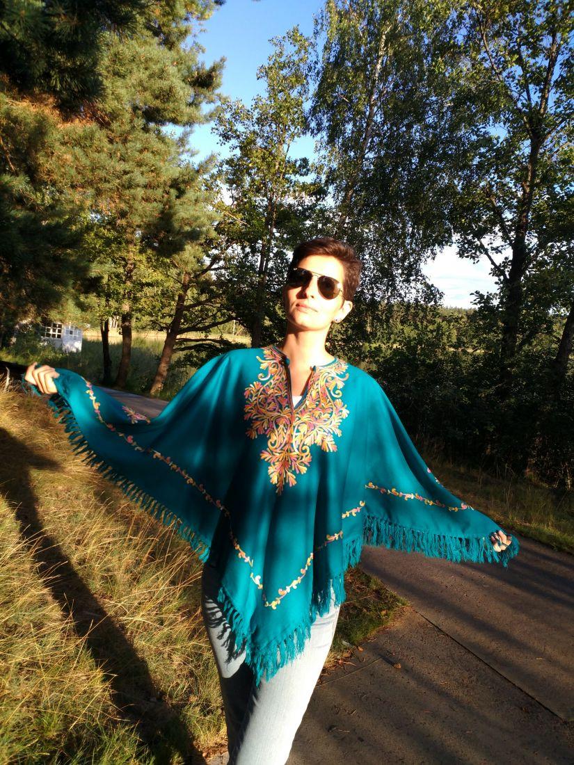 Красивое женское кашмирское пончо из натуральной шерсти (СПб)