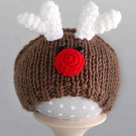 Вязаная шапочка для куклы Олень с мордочкой