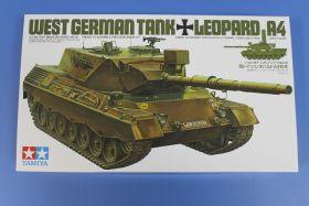 Западно-германский танк LEOPARD  А4 с 1 фигурой командира