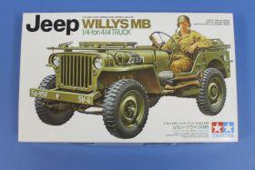 Американский 1/4-тонный джип 4х4  WILLYS MB (2 варианта сборки) и 1 фигурой водителя