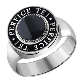 Печатка из серебра с ониксом и надписью на чёрной эмали 94010934 SOKOLOV