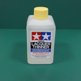 Многоцелевой растворитель: для растворения грунтовки 87075, 87096, красок TS, AS, PS, MS, LP, чистки кисточек, инструментов, снятия излишек красок, шпаклевок, 250мл