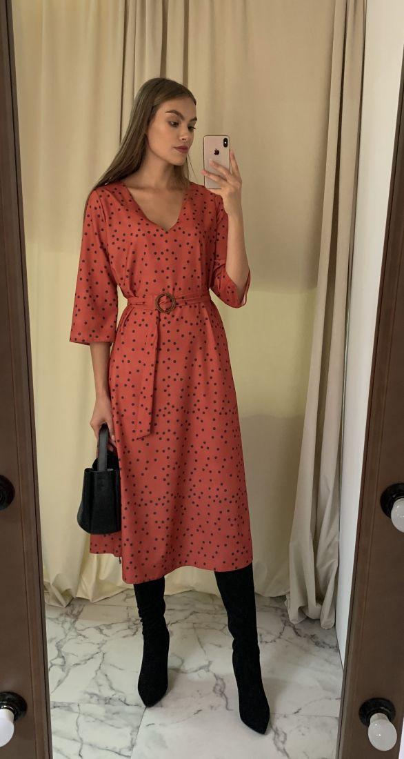 m2921 Платье базовое терракотовое в горох